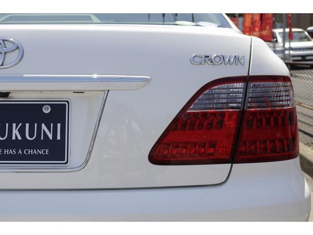 通常中古車をローンで買うときは信販会社のローン契約を代行しておりますが、当社の自社ローンはお店とお客様の間で直接分割払い購入の契約を行います。