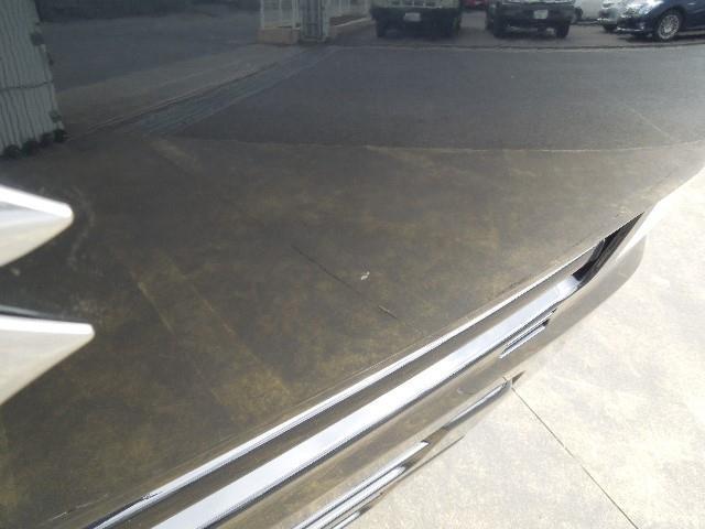 ボンネットの一部に小さな擦りキズがありますので、現車のご確認をお願い致します。