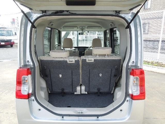 使い勝手のよいラゲッジルーム。開口部も大きく、床面も低いので大きな荷物も載せ易いですよ!