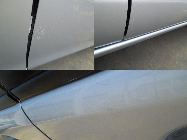 右フロントドアの一部に擦りキズがありますので、現車のご確認をお願い致します。