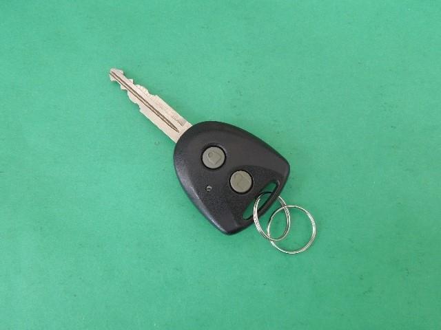 ワイヤレスでドアの施錠/開錠が出来るので、荷物を持って手が離せない時に重宝しますよ!