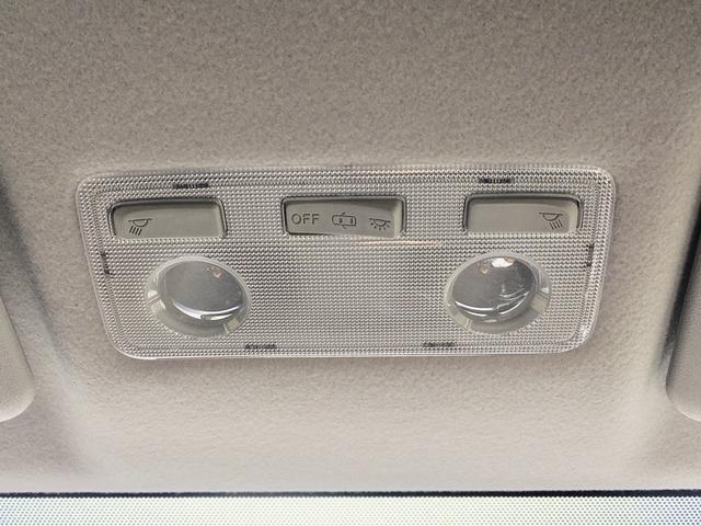 トヨタ アクア S Hybrid LEDヘッドライト