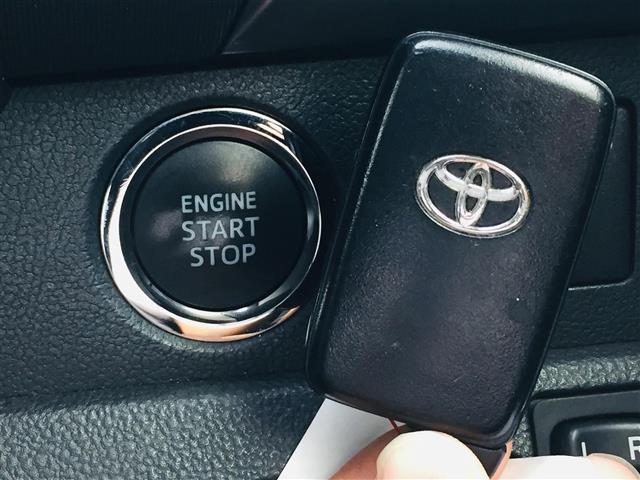 【スマートキー】キーを鍵穴に挿し込んだり、リモコンのボタンを押すことなく鍵の開閉ができます!バッグやポケットに入ったままでもOK♪【プッシュスタート】ボタンワンタッチでエンジンが始動します!