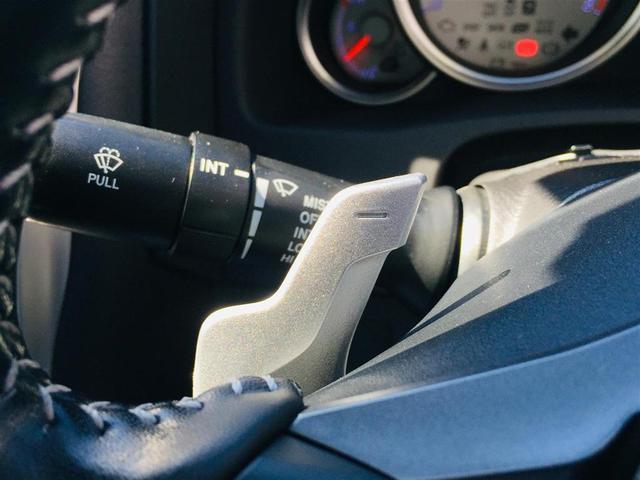 【パドルシフト】ステアリングで変速操作が可能です!スポーティーな走りを楽しみたい方は必見の装備です!