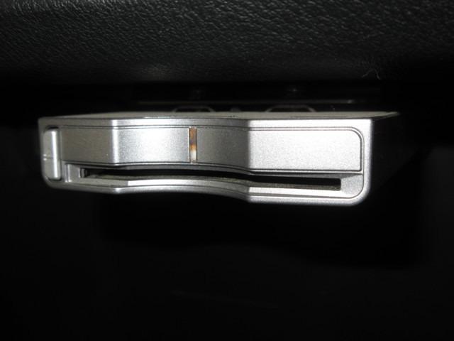 ホンダ ストリーム X特別仕様車 HDDナビエディション 標準HDDナビRカメラ