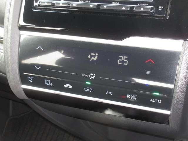 RS 純正メモリーナビ 衝突軽減ブレーキ 7スピードパドルシフト Bluetooth フルセグTV Rカメラ LEDヘッドライト サイドカーテンエアバック 純正16インチアルミホイール ワンオーナー 禁煙車(11枚目)