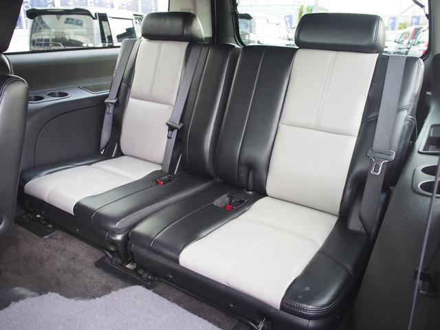 シボレー シボレー サバーバン Z71 24インチAW サンルーフ 本革 社外マフラー