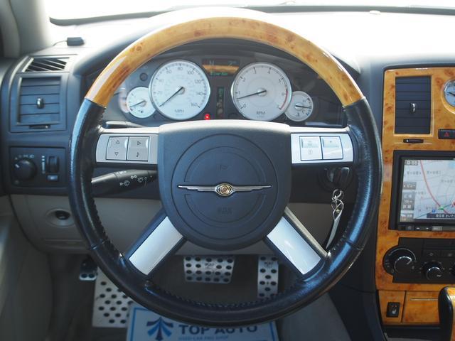 クライスラー クライスラー 300C 5.7HEMI ガルウイング サンルーフ 本革 8インチナビ