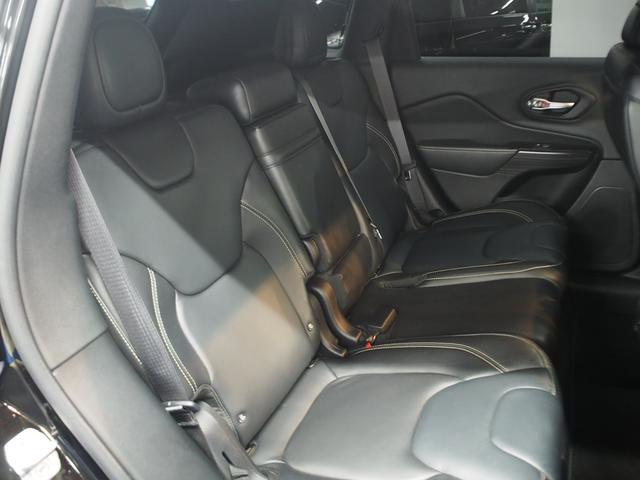 リミテッド 4WD 1オーナー 黒革シート ナビ フルセグ(14枚目)
