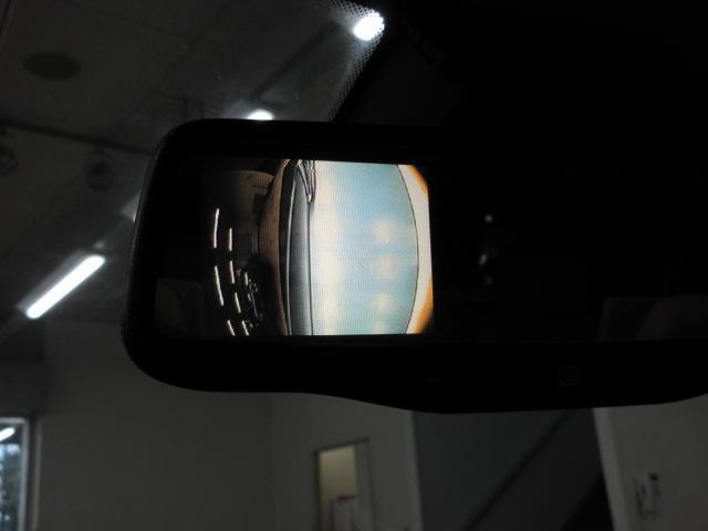 死角と言われがちの右側面も、しっかりとサイドカメラが装備されておりますので安心です♪