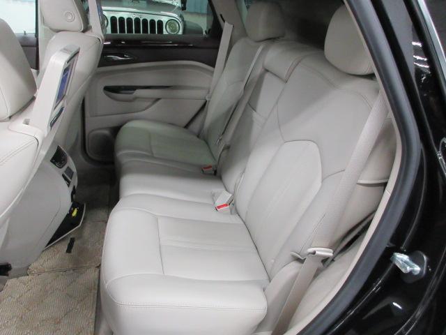 後席シートも綺麗な状態となっておりまして、目立つ傷や汚れも御座いません!