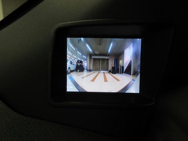 スイッチで切替可能なフロント&サイドカメラも装備されております!