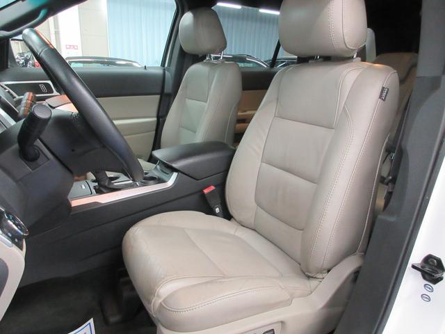乗り心地やホールド性に優れたレザーシートにシートヒーター!パワーシートでポジション設定も簡単♪