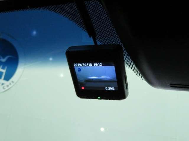 純正ドライブレコーダー、これからは必須の装備になるかもしれませんね。