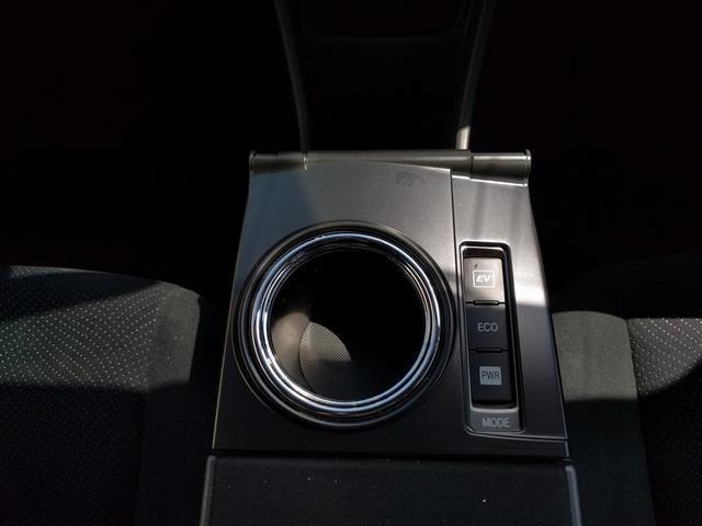 トヨタ プリウスアルファ S チューンブラック