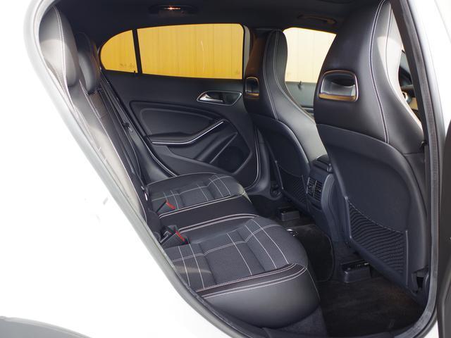 メルセデス・ベンツ M・ベンツ GLA180 オフロード サンルーフ レーダーセーフティ