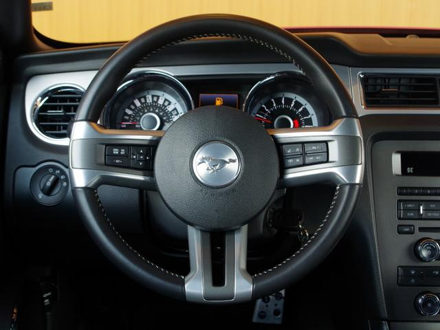 V6プレミアム 2013後期モデル 正規D車 黒革シート(4枚目)