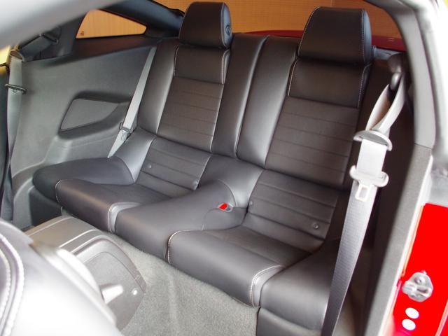 V6プレミアム 2013後期モデル 正規D車 黒革シート(7枚目)