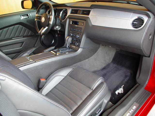V6プレミアム 2013後期モデル 正規D車 黒革シート(8枚目)