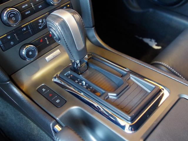 V6プレミアム 2013後期モデル 正規D車 黒革シート(15枚目)