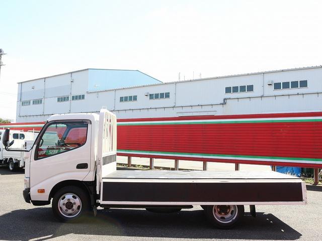セミロングフルジャストロー 4WD 2000キロ積載 全低床 平ボディ かるがるゲート 5MT 左電格ミラー 荷台内寸357-180-38 スペアキー2本 アシストアイドルアップ 最大積載量2000キロ 車両総重量4865キロ(17枚目)