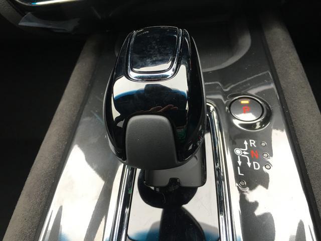 ハイブリッドRS・ホンダセンシング登録済未使用シートヒーター(4枚目)