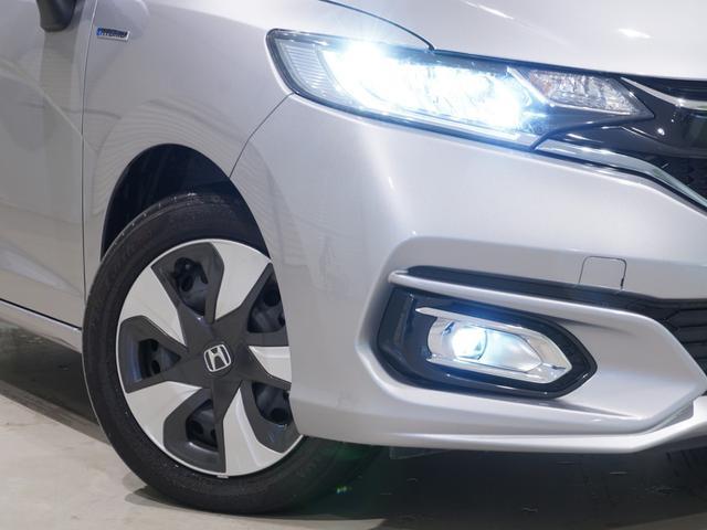 【 LEDヘットライト 】より明るく省電力。点灯忘れも防止できる、オートライトコントロール機能