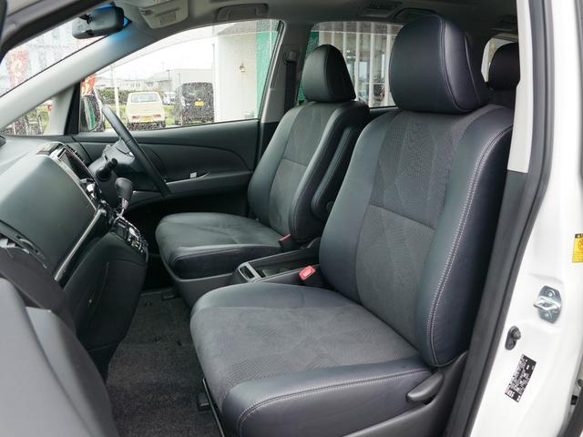 【 運転席 / 助手席 】シート表皮にアエラス専用トリコットが使われております!