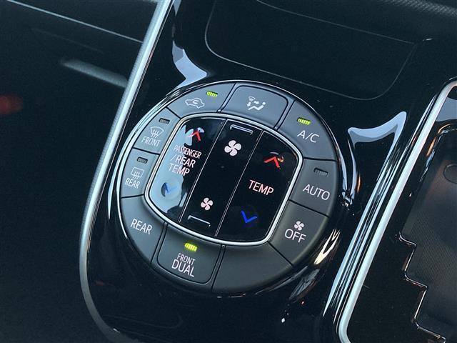ZS 煌II トヨタセーフティーセンス・衝突軽減ブレーキ・LED・PKSB・クリアランスソナー・両側パワースライド・車線逸脱防止装置・リアオートエアコン・左右独立温度操作エアコン・オートマハイビーム(12枚目)