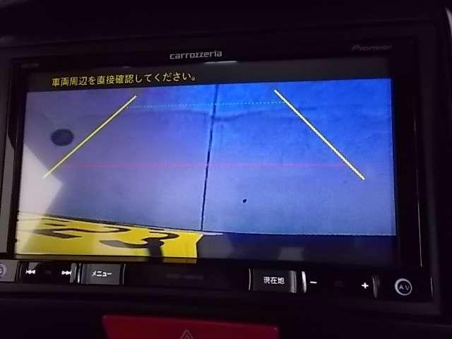 バックカメラ付きで運転が苦手な方も車庫入れラクラクです!狭いところでの駐停車もお車を傷つけず安心ですね!