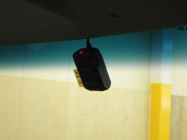 G・Lパッケージ フルTV ディスチャージ キーフリ バックカメ HDDナビ ベンチシート TVナビ スマキー CDチューナー ETC 盗難防止装置 ABS 記録簿 パワステ 電動パワースライドドア ATエアコン(14枚目)