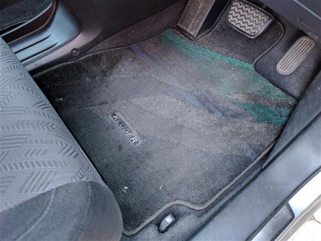 トヨタ クルーガーV FOUR Sパッケージ 4WD HID CD MD