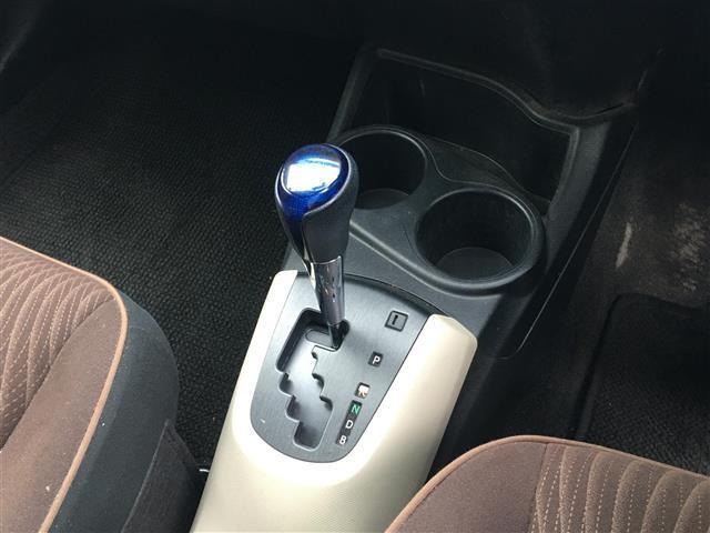 G 社外SDナビ フルセグTV バックカメラ ETC LEDヘッドライト オートライト 前席シートヒーター 電動格納ミラー ドアバイザー プッシュスタート スマートキー2個(9枚目)