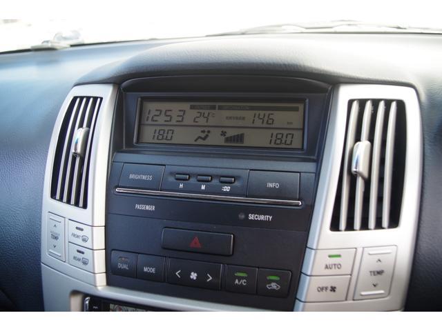 トヨタ ハリアー 240G Lパッケージ HDDナビ 黒革シート 17AW