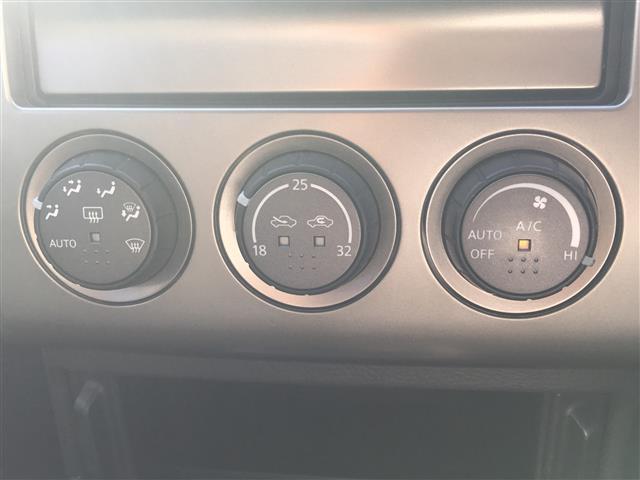 Xt/社外ケンウッド製メモリーナビ/ETC/4WD/革シート(8枚目)