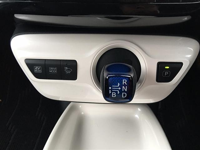 トヨタ プリウス A 4WD ワンオーナー メモリナビ Bカメラ スマートキー