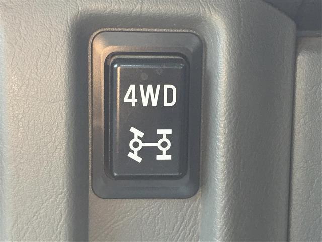 ◆4WD◇5速MT◇三方開◇パワステ◇エアコン◇純正AM/FMラジオ◇ETC◇純正フロアマット◇ドアバイザー◇運転席エアバッグ◇スペアキー