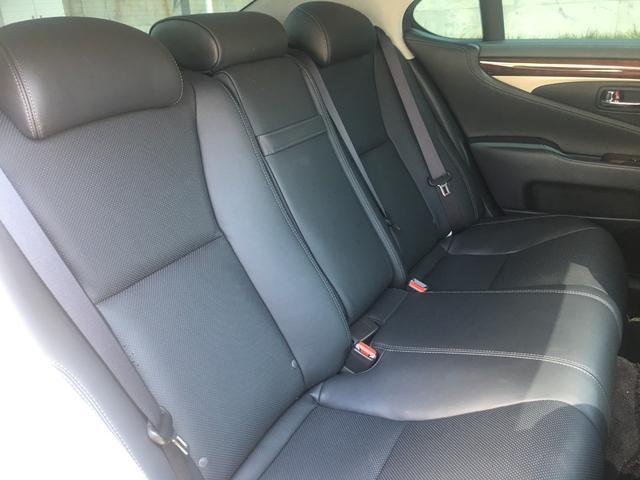 600h バージョンC Iパック 4WD SR 黒革 マルチ(17枚目)