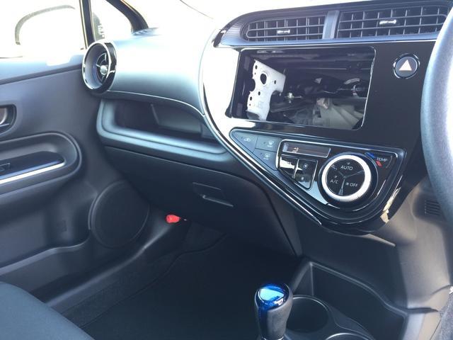 トヨタ アクア S 未使用車 衝突軽減 スマートキー オートライト