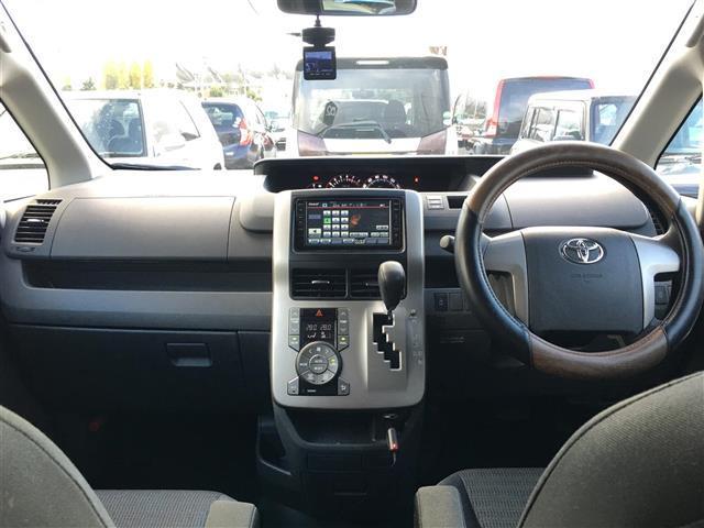 トヨタ ヴォクシー Z HDDナビ Bカメラ HID ETC ワンセグDVD再生