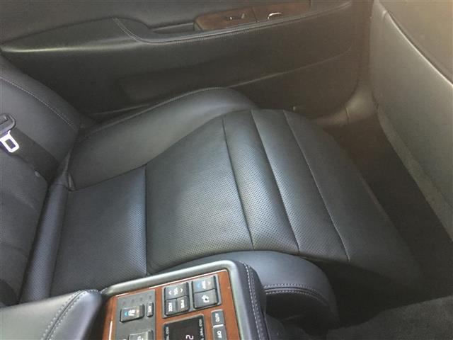 600hLエグゼクティブP 4WD SR 本革シート ナビ(20枚目)