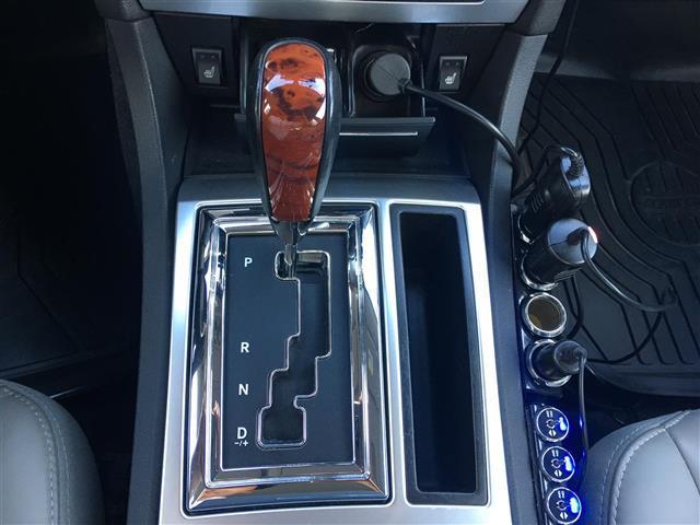 クライスラー クライスラー 300C 5.7 HEMI サンルーフ 本革 ダウンサス 社外マフラー