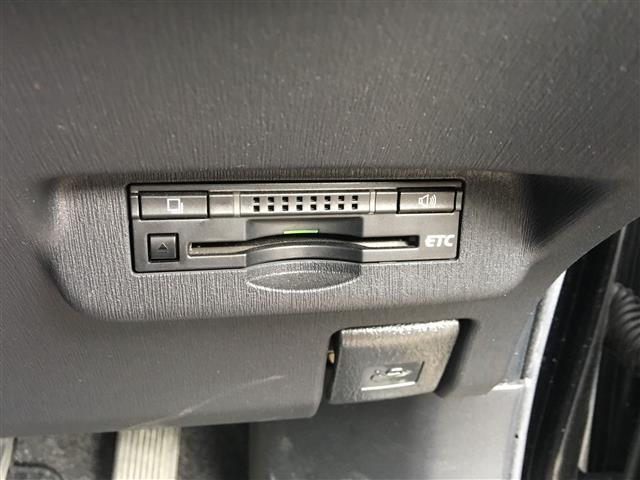 トヨタ プリウス クルコンETC半革調シートパワーシートLED