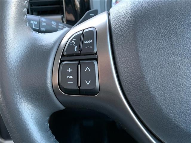 JスタイルIIターボ 4WD/純正エンジンスターター/クルーズコントロール/パドルシフト/衝突軽減ブレーキ/アイドリングストップ/横滑り防止/白線逸脱警報装置/前席シートヒーター/ハーフレザーシート/ミラーヒーター(5枚目)