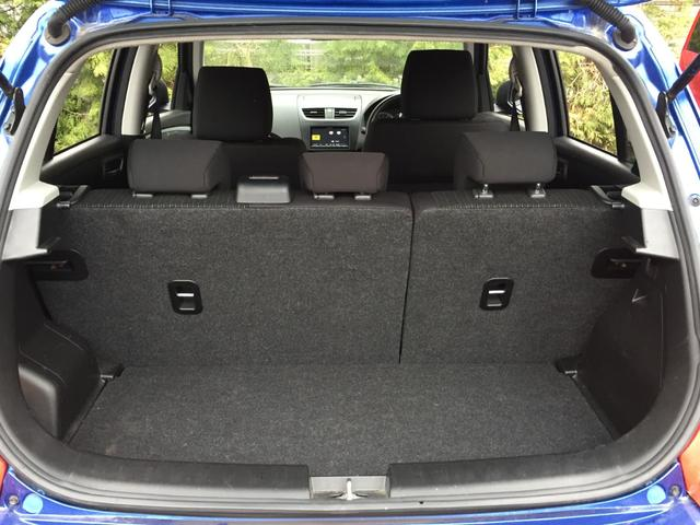 XG 4WD 社外SDナビ DVD視聴可能 バックカメラ 横滑り防止装置 前席シートヒーター E T C プッシュスタート スマートキー(19枚目)
