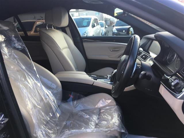 BMW BMW 523i Mスポーツパッケージ 本革 シートヒーター 純ナビ