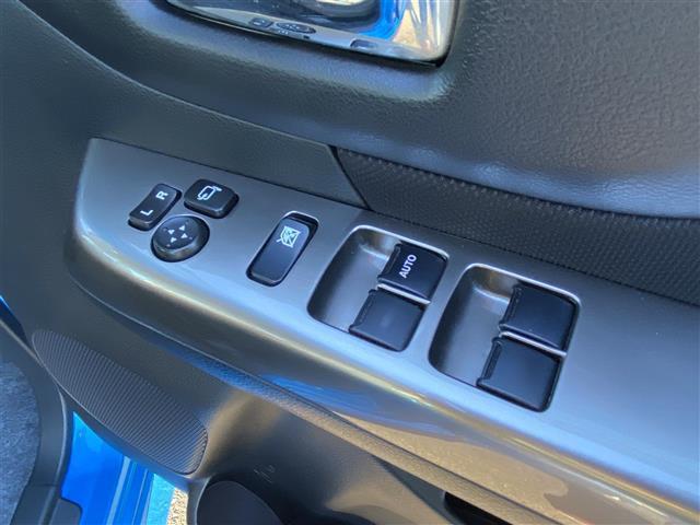 ベースグレード 純正メーカーオプションナビCD/DVD/Bluetooth 全方位カメラ 左側パワースライドドア スマートキー プッシュスタート ETC HIDヘッドライト シートヒーター 純正14インチアルミ(7枚目)