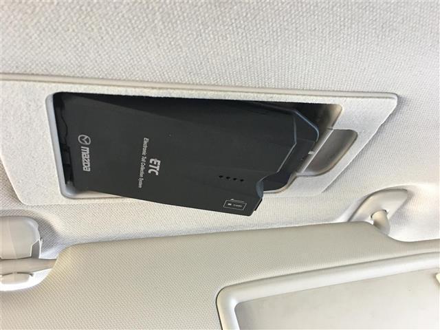 15Sツーリング ワンオーナー 純正ナビ/フルセグTV/Bluetooth バックカメラ HIDヘッドライト アドバンスキー プッシュスタート ヘッドアップディスプレイ ETC 衝突軽減ブレーキ横滑り防止装置(4枚目)