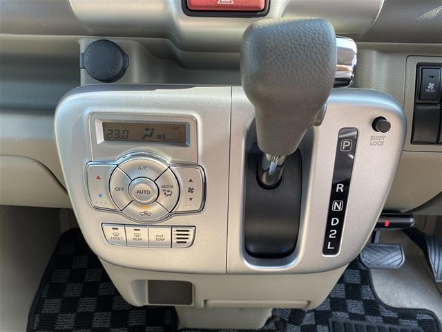 PZターボ 社外ディスプレイオーディオ/DVD/CD/Bluetooth/USB ETC バックカメラ スマートキー プッシュスタート リアヒーター 衝突軽減ブレーキ 左側パワースライドドア HID ハイルーフ(9枚目)