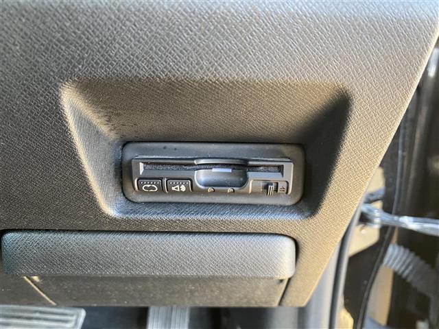 Z クールスピリット 社外ナビ・フルセグTV・DVD・ハーフレザーシート・両側パワスラ・ウインカーミラー・クルーズコントロール・ETC・アイドリングストップ・横滑り防止装置・パドルシフト・フォグライト(5枚目)